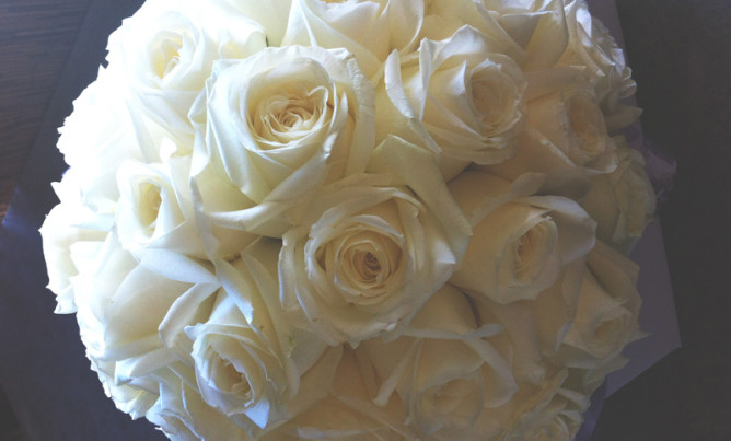bridal bouquet, white avalanche roses
